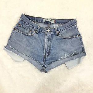 ⬇️Levi's High Rise Distressed Cutoff Denim Shorts